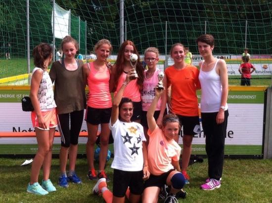 soccer-girls-2015-01.jpg