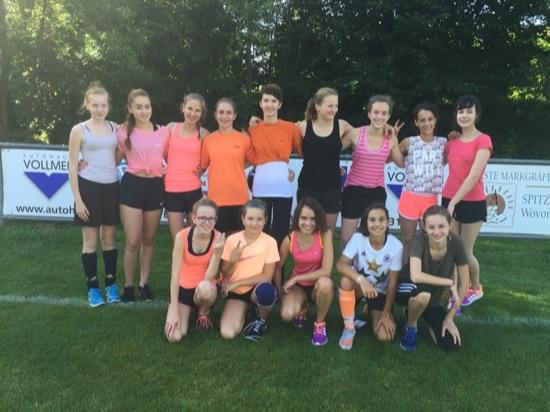 soccer-girls-2015-03_jpg.jpg
